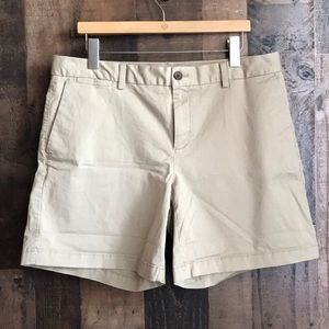 Banana Republic 14 Shorts Tan NWT